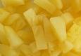 Ananasai, konservuoti savo sultyse, nusausinti