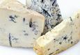 Baltas - mėlynas pelėsinis sūris (38% riebumas)